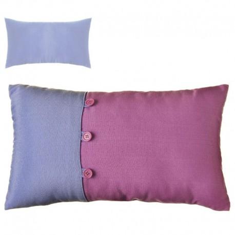 """Cojín bicolor new living colors"""" 50 x 30 cm lila y azul con botones a juego. """""""