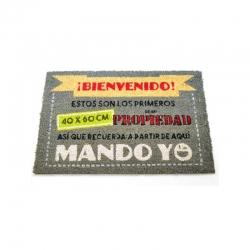 Felpudo original Mando Yo 40x60 cm .