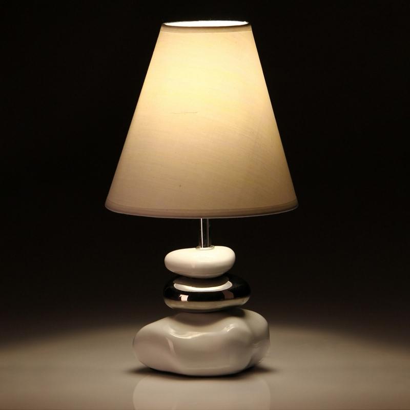 L mpara para mesita de noche oriental blanca con base de cer mica para dormitorio - Lamparas de mesa para dormitorio ...