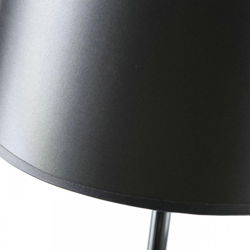 L mpara de mesa moderna gris de metal para sal n arabia for Lampara mesa salon