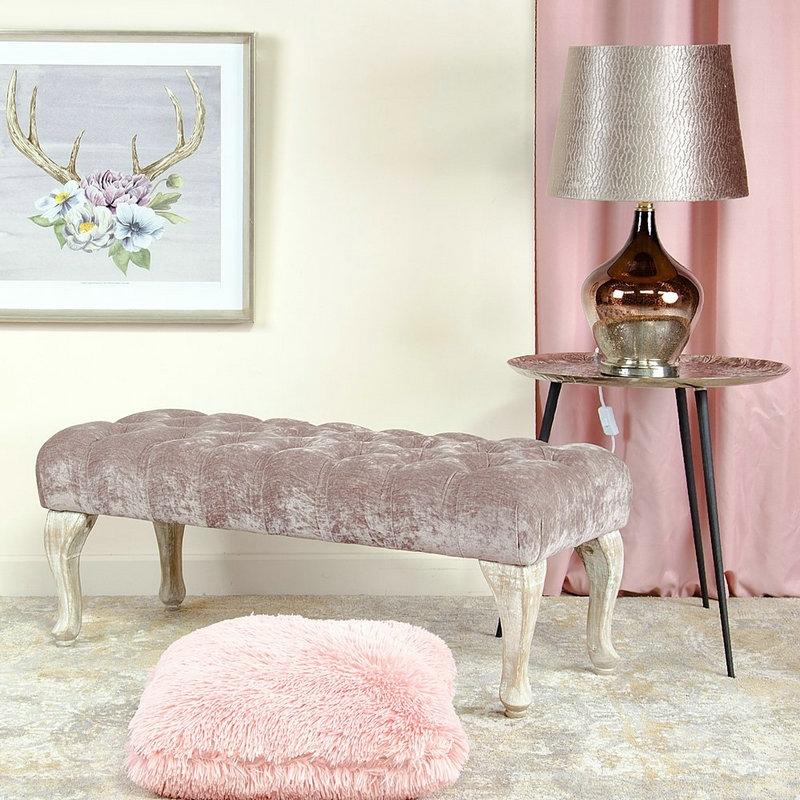 Banqueta pie de cama de madera gris clásica para dormitorio.| Dcasa.es
