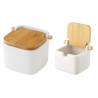 Salero y azucarero de cocina blanco de ceramica con tapa de bambu .
