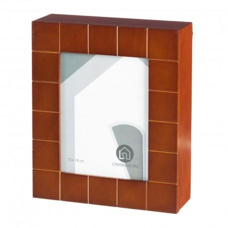 Caja llaves moderno marrón madera para entrada Bretaña
