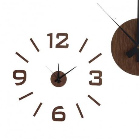 Reloj adhesivo efecto madera wengue.
