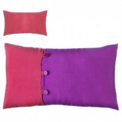"""Cojín bicolor new living colors"""" 50 x 30 cm fucsia y rojo con botones a juego."""""""