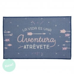 "Alfombra multiuso mensaje ""La vida es un aventura atrevete"" 50x80 cm"