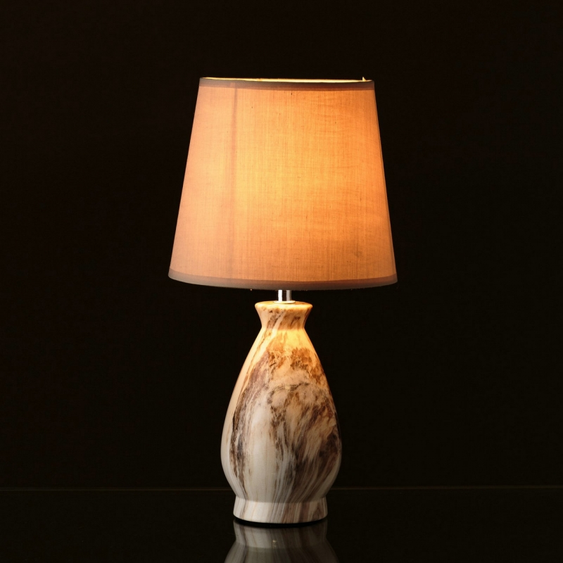 L mpara beige cer mica 20 x 20 x 39 cm for Lamparas de ceramica